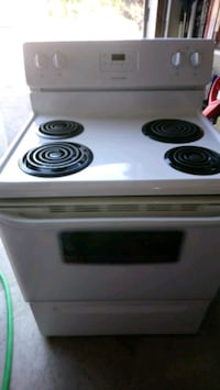 Frigidaire stove and oven Mississauga, L5V 2W8