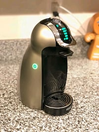 Nescafe Dolce Gusto coffee system, Like New!! Greenbelt, 20770
