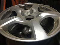 4 aftermarket used alloy rims. Newmarket, L3Y 3W2