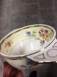 white and red floral ceramic bowl 546 km