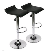 Bar Stools With foot rests Hydraulic adjustable he Barrie, L4M