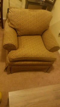 brown and white fabric sofa chair Beltsville, 20705