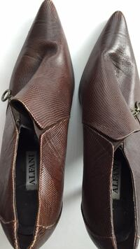 Brown leather ladies shoes Richmond Hill, L4S 0B6
