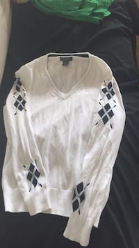 white and black Adidas long-sleeved shirt Ottawa, K1H