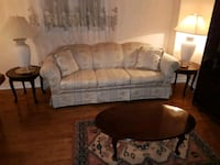 Couch and loveseat Mississauga, L5R