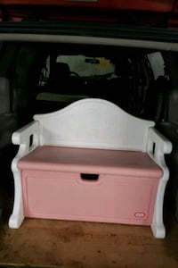 VICTORIAN LITTLE TIKES PINK BENCH Port Moody, V3H 3X1