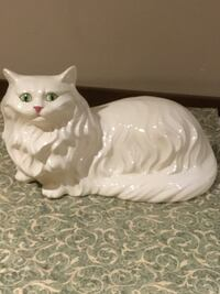 Beautiful ceramic cat (floor or table top)