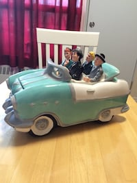 Car and passengers ceramic figurine collector piece Brampton, L6W 1C5