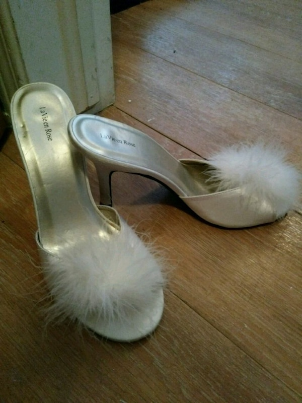 3008f272d4a Used pair of white leather peep toe heels for sale in Gatineau - letgo