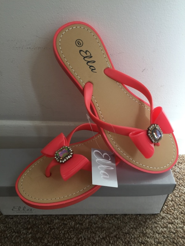f7f8377f4 Used orange jelly bow thong sandals for sale in Hornchurch - letgo