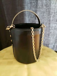 Zara bucket bag  Montreal
