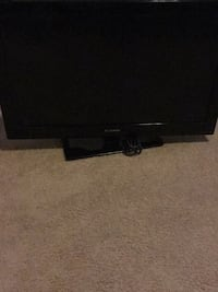 black flat screen TV with remote Oxon Hill, 20745