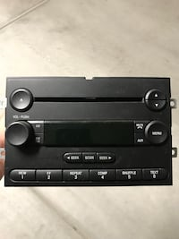 Ford Factory Radio/CD Player from 2005 Mustang Las Vegas, 89113