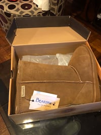 BearPaw womens size 4 Boots Paterson, 07505
