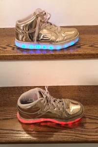 Skechers energy lights shoes size 3  Toronto, M3A 1S9