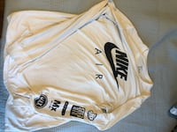 Nike air long sleeve size large Winnipeg, R3X
