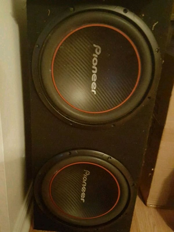 2 12's Pioneer Speakers ebb05622-6f34-4cbb-9548-53ad8a46d943