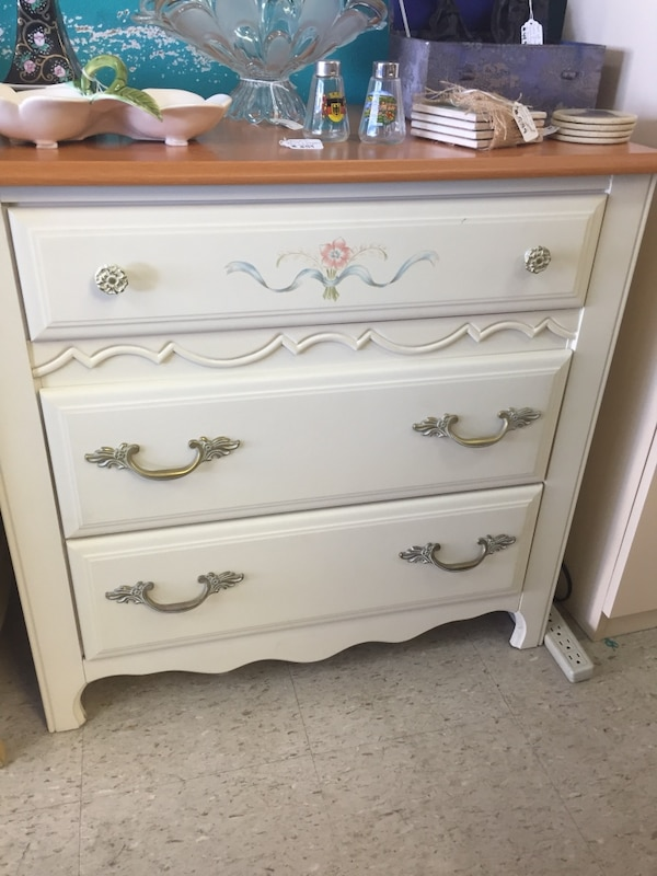 Used Broyhill 3 Drawer Chest of Drawers for sale in ...
