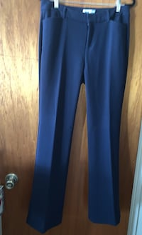 Women's Navy Blu dress slacks. Never worn Burbank, 91506