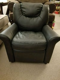 Kids reclining chair London, N6K 4L8