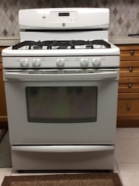 White Kenmore gas stove 30 inch Vaughan, L6A 2V6