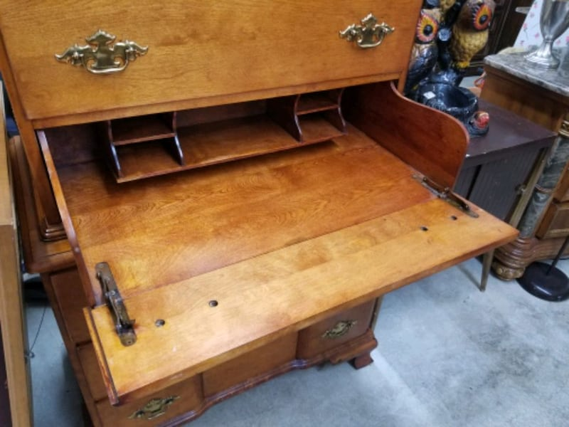 tall chest solid wood dresser with hidden desk 24aacca8-ee69-4fb1-a129-81dd8f946902
