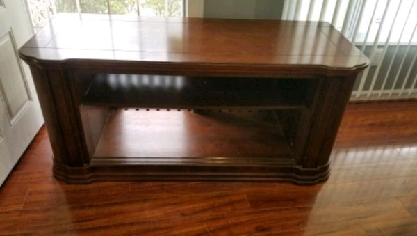 Large TV Stand - Real Wood with adjustable shelf e380ccca-2c39-4e6b-a351-36a2141a30db