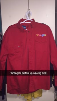 Wrangler button up size large