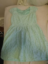 girl's green lace scoop-neck cap-sleeved d