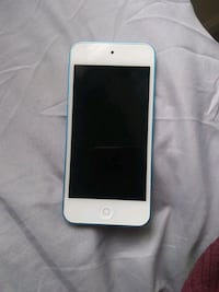 Ipod touch works great home button dont work but can be fixed  Falls Church, 22041