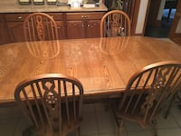 Solid wood oak dining table with 6 chairs Harleysville, 19438