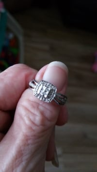 Engagement ring Cottondale