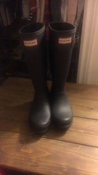 Youth size 5 girl hunter boots Welland