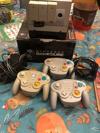 Game cube lot with game boy player  1361 mi