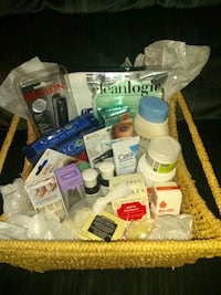 Beauty/personal care gift basket