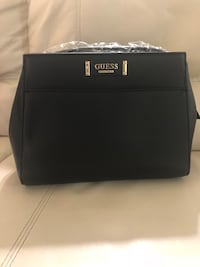 Guess handbag  London, N6H 4T6