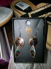 pair of gold-colored hook earrings Edmonton, T5G 0Z1