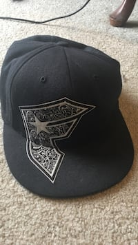 (F) Famous fitted hat 7-1/4~7-5/8 Reno, 89512