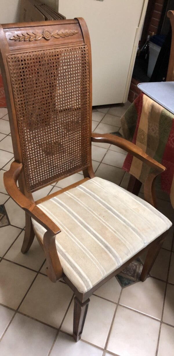 set of 6 wooden chairs