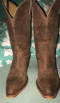 pair of brown leather boots Weatherford, 76087