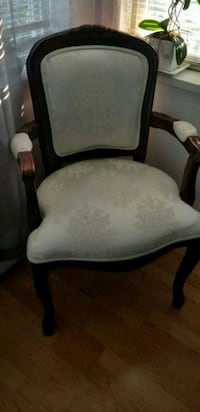 Ivory chair, very clean and great condition  Port Coquitlam, V3C 1X7