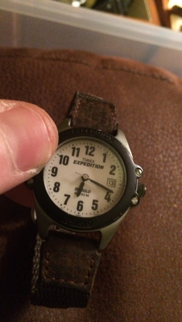 cc72164f9aa4 Women s Timex Expedition indiglo wr50m date watch never worn usado ...