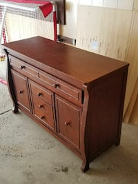 AWESOME Bedroom dresser in good, solid wood shape Buffalo, 14221
