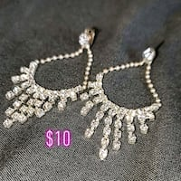 silver and diamond studded necklace Spruce Grove, T7X 0A7