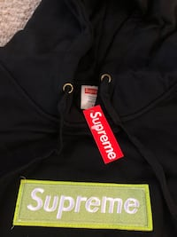 Brand New Supreme Box Logo Hoodie Winnipeg, R3X 2B2