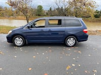 2007 Honda Odyssey EX L with DVD and low mileages  Sterling