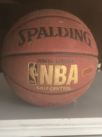 almost new indoor/outdoor b-ball 7$ Indianapolis, 46236