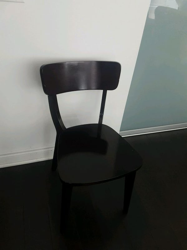 2 black dining room chairs 9fd5f4bf-4cd9-4e22-a7e9-c7a537985685