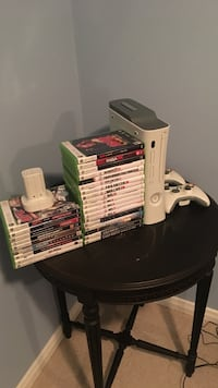 Xbox 360 with all games and 2 controllers Burlington, L7L 6L2
