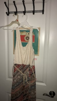 white and red sleeveless dress Fairfax, 22030